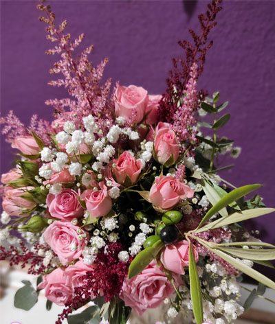 ramo tonos rosas con astilbe